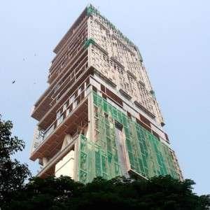 Antilla, Bombaj, Indie. Wartość rezydencji: powyżej 1 mld dol.  Forbes